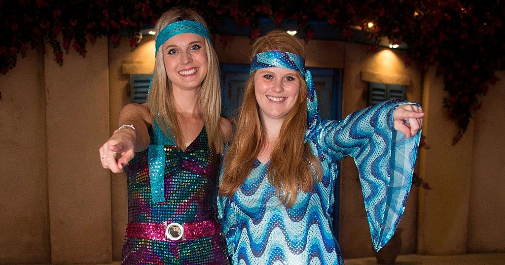 Inkl Daily Mirror Mamma Mia The Party Review What A Super Trouper Experience