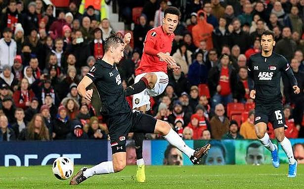 Inkl The Hindu Europa League Manchester United Arsenal Advance To Last 32