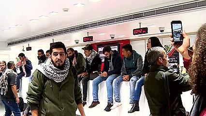 Inkl Frustrations Grow Over Bank Restrictions In Lebanon Al Jazeera
