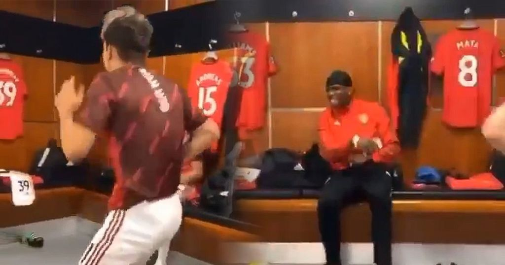 Inkl Manchester United Fans Say The Same Thing After Dressing Room Video Manchester Evening News
